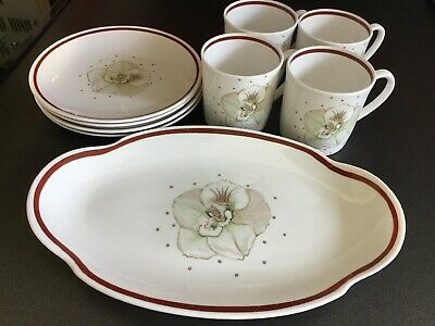 Susie Cooper Azalea Pattern 4 Cups 4 Plates And A Pretty Cake Plate