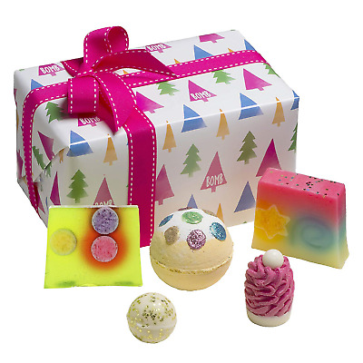 Bomb Cosmetics O Christmas Tree Handmade Wrapped Gift Pack [Contains 5-Pieces],