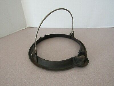 ANTIQUE CAST IRON WAFFLE MAKER  ROUND BASE RING BAIL HANDLE ??Griswold??