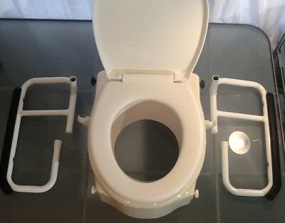 Disabled Toilet Seat.Raised seat with supportive arms.Easy to install.White.New