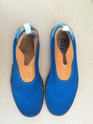 562fb20d8c9a VINTAGE NIKE WATER Shoes Aqua Gear Swimming Orange Blue Mens Size 11 ...