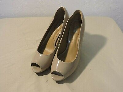 cf0c5aaef2a2 CLARKS WOMENS NARINE Rowe Leather Peep Toe Platform Pumps