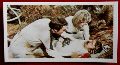 SPACE 1999 - Card #026 - MATTER OF LIFE AND DEATH - BASSETT, 1976
