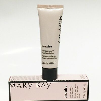 Mary Kay  TimeWise Luminous Wear Liquid Foundation Beige 5