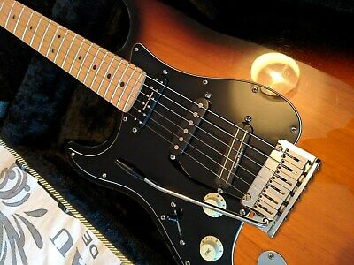 LEFT HANDED USA Fender Stratocaster with David Gilmour