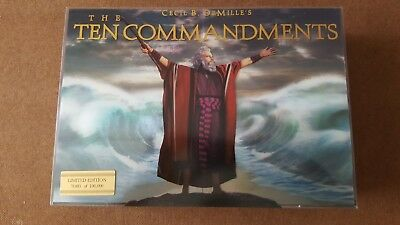 The Ten Commandments (Six-Disc Limited Edition Blu-ray/DVD Combo Gift Set)