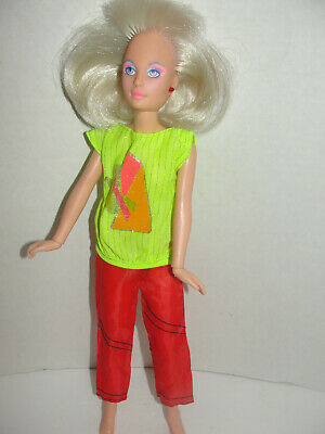 Hasbro Jem and the Holograms Rocker Jerrica Doll With Light up earrings 1985