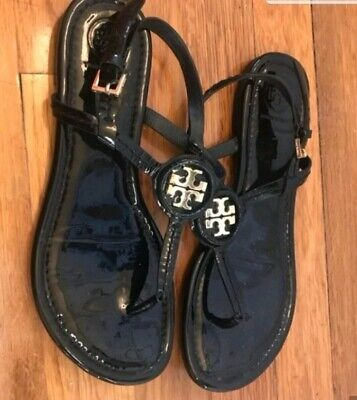 9cb12c3df037  225 TORY BURCH Dillan Flat Sandals Leather Gold Logo Thongs Flip ...