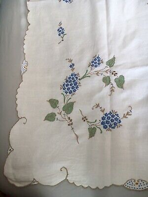 Vintage Square 4ft/122cm Tablecloth Embroidered Flowers Scalloped Edge