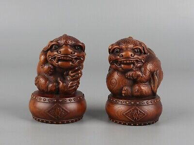 Chinese Exquisite Handmade lion hydrangea Carving Boxwood statue a pair