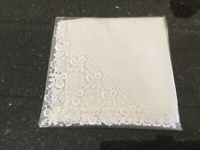 Vintage White Linen? Ladies Handkerchief with Lace Trim and Corner - Wedding