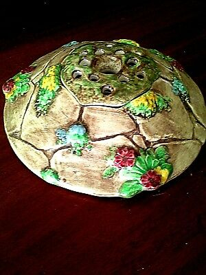 VINTAGE ENGLISH FALCON WARE TABLE CENTRE 'THE WISHING WELL' (my w 69' box 8 )
