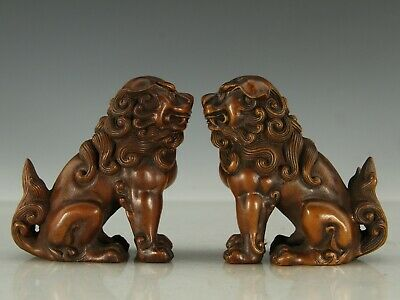 Chinese Exquisite Hand-carved lion Carving Boxwood statue a pair