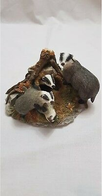 Country Artists Sherratt And Simpson Badger Family Figurine