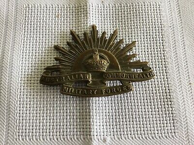 WW1 WW11 RISING SUN Slouch Hat Badge Pin Fitting Brilliant. Brass