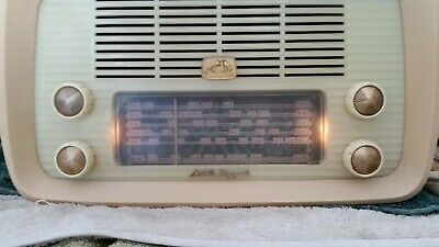 Vintage Valve Radio HMV Little Nipper 62-52