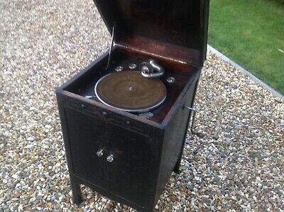 Gramophone Phonograph Wind Up Wooden Case Cabinet W H Barnes London 1931