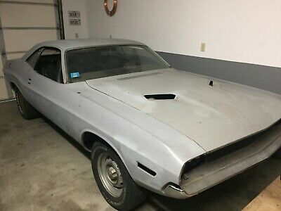 1970 Dodge Challenger 426 HEMI R/T 1970 HEMI CHALLENGER R/T 4 SPEED SUPER TRACK PACK 4.10 DANA WITH BUILD SHEET