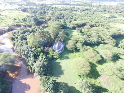 5 acre building plot with planning for mansion in Masai Mara game reserve.
