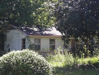 NO RESERVE!!! SFH on almost 1 acre in Jefferson County, AR UP FOR AUCTION!!!