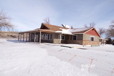 Previous Lake Oahe Mariana Cafe/Bait Store Over 3800 sq ft commercial building