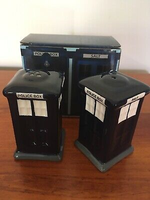 Dr Who Style Police Box Novelty Salt and Pepper Shakers New Gift Boxed