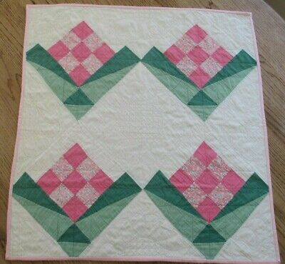 Vintage Table Quilt , 1930'S, PINK, GREEN FLOWER, 29 X 31, GREAT QUILTING