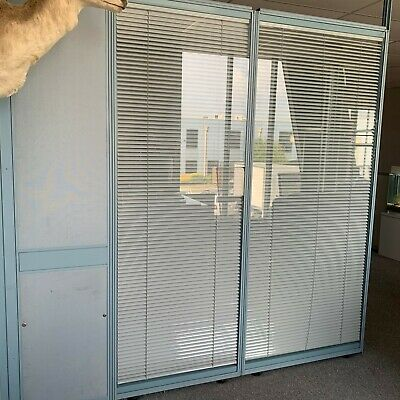 Office Glass divider with blind ** VIC PICK UP ONLY**