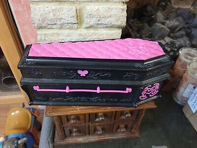 Monster High Draculaura's Coffin Bed (bed Only)