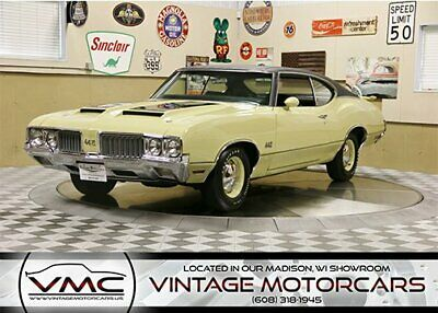 1970 Oldsmobile Cutlass 442  Laser Straight - Numbers Matching - Show Quality - Complete Restoration