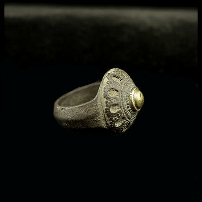 Gandharan silver ring the crown in the form of a flower. y43