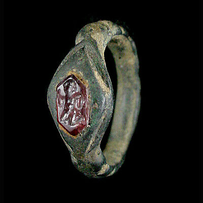 Indo-Greek bronze ring with garnet bezel. x9022