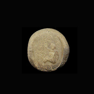 A Phoenician clay bulla the image depicting a lady. e8088