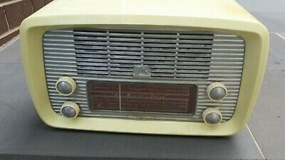 Vintage Valve Radio HMV Little Nipper Modle 64-52