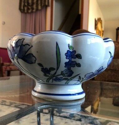 Large Porcelain Footed Planter/Bowl White W/ Blue Flowers Scalloped AAA Imports
