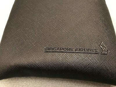 Singapore Airlines SQ business class black amenity kit bag with zip, NEW, SEALED
