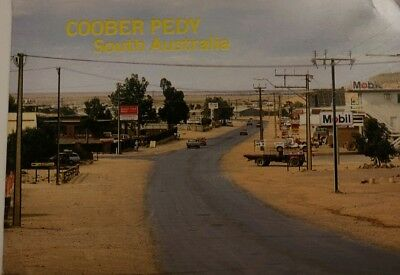 Retro – The Main Street – Landscape Postcard – Coober Pedy, South Aust – 70/80's