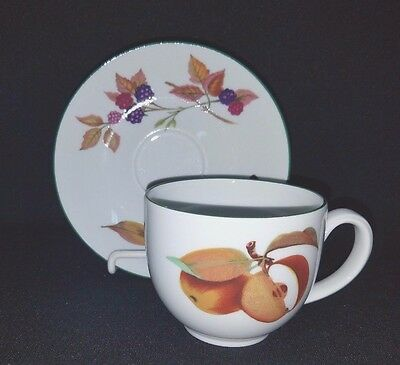 Royal Worcester EVESHAM VALE (Made in England) - Cup & Saucer