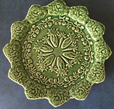 """Bordallo Pinheiro green Majolica-like plate with carrots and cabbages at rim 8"""""""