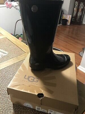 fdce4425b5f WOMENS UGG RAIN boots size 8. Black Shinny Material. Excellent Condition.