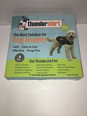 """ThunderShirt  Dog Anxiety Solution 17"""" up to 21"""", 15-25 lbs Small, Grey"""