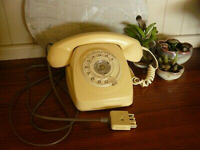 Vintage Pale Yellow Rotary Dial P.M.G.Telephone 801 in working condition