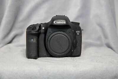 Canon EOS 7D 18MP Digital SLR Camera with 75-300 Zoom
