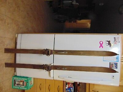 vintage/ antique wooden skis   65   long      chalet decor  very   nice   # 6784