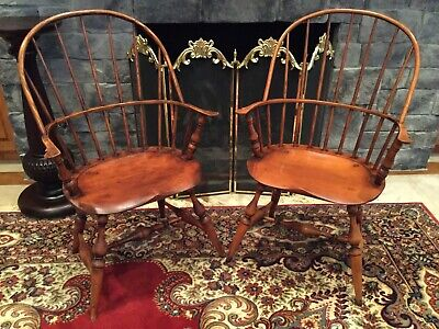 Pair (2) Antique Windsor Chairs