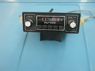Datsun 510 Original radio