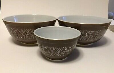 Vintage Pyrex Set Of Three Woodland Brown Mixing Bowls