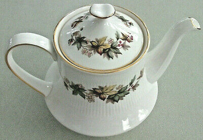 "Vintage 5 3/4"" ROYAL STANDARD Fine Bone China White Gold LINDALE England TEAPOT"
