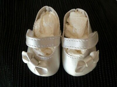 Baby clothes GIRL premature/tiny<5-7.5lb/2.3-3/4kg silver bow strap shoes 6.75cm