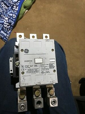 Used GE CK09BE300 200A 600V contactor tested